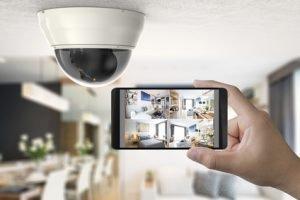 Bügeleisen und smarte Haustechnik - Sicherheit im Urlaub