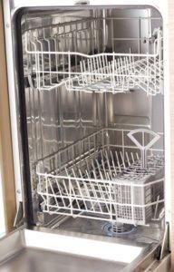 Geschirrspüler richtig reinigen - so geht's