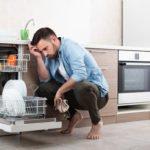 Geschirrspüler stinkt – was tun?