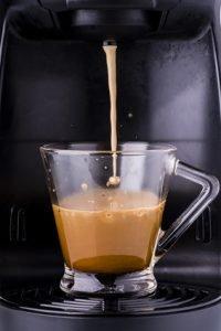 Kaffeepadmaschine reinigen - so geht's