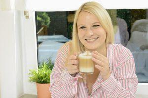 Kaffeevollautomat mit Milchaufschäumer - so gelingt der leckere Milchschaum