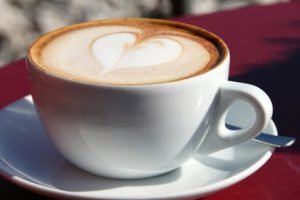 Ist ein Kaffeevollautomat preiswerter als Kapsel- und Padmaschinen?