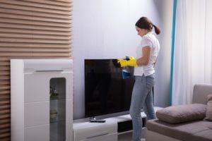TV Bildschirm richtig reinigen – so geht's